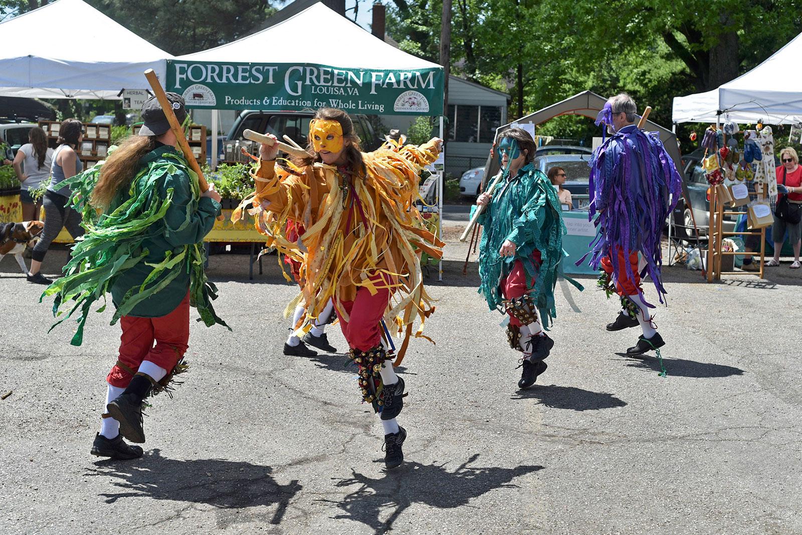 Richmond Waldorf School - May Faire dancers